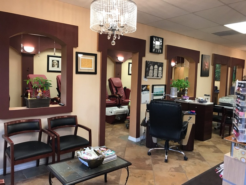 Nail Salon 56401 (1).jpg
